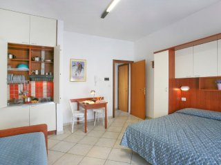 Apartment in Rimini with Internet, Air conditioning, Lift, Parking (116609)