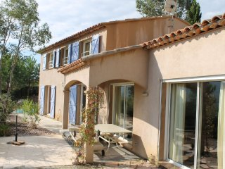 House in La Londe-les-Maures with Internet, Parking, Terrace, Garden (103619)