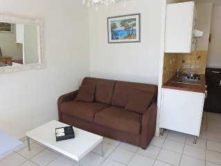 Apartment in the center of Cavalaire-sur-Mer with Internet, Lift, Parking
