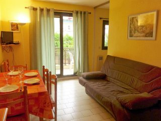 Apartment in the center of Le Lavandou with Internet, Lift, Balcony (103603)