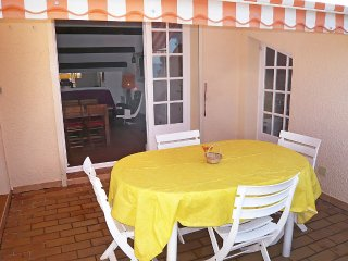 Apartment 1.3 km from the center of Saint-Cyr-sur-Mer with Internet, Terrace
