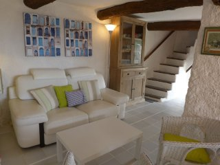 House 1.4 km from the center of La Cadière-d'Azur with Internet, Terrace