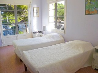 Apartment 636 m from the center of Saint-Cyr-sur-Mer with Internet, Air