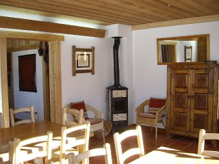 House 276 m from the center of La Salle-les-Alpes with Parking, Terrace