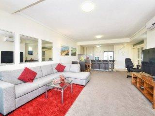 Com Games & Easter - Beachfront resort KIller Views form this luxury unit