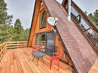 A-Frame Cabin w/Mtn Views - 4 Mi to Cripple Creek!