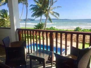 Casa Weligama - Beach front villa with a pool