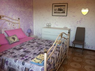 Casa vacanze yellow submarine posteggio privato e wifi. Animali friendly
