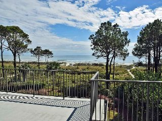 Ocean Club 38 - Oceanfront Townhouse with Large Rooftop Deck