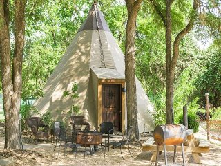 Amazing Tipis! #1 Reservation On The Guadalupe, Heated/AC, Insulated TIpis!