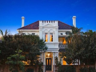 Bronte Art Abode - Victorian & Moroccan inspired