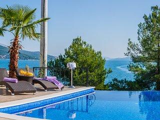 Luxury villa with pool and sea view Marina, Trogir
