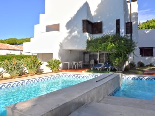 5 bedroomed private pool villa walking distance to the centre of Vilamoura