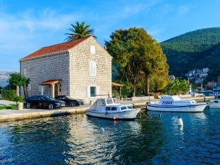 Magnificent Seafront Villa for rent, Dubrovnik