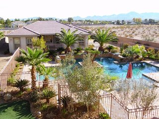 777RENTALS - South Strip Paradise - Incredible Pool, Spa, 4BR Casita, Pool
