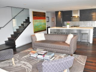 Classic Contemporary Penthouse ~ RA86723