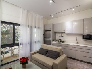 Exquisite apt in Talbiya - Jerusalem
