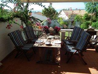 Casa con jardin, A/C, Wifi, piscina comunitaria,