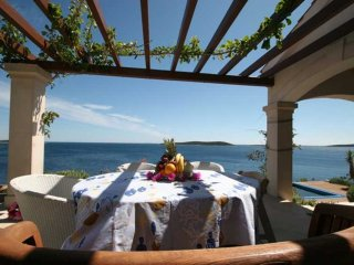 Luxury Sea Side Villa Issa on Vis with pool by the sea