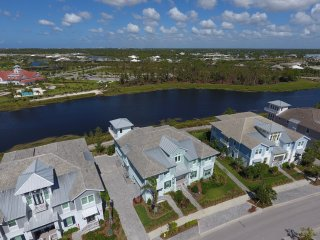 Immaculate Coach Home in The Isles of Collier Preserve