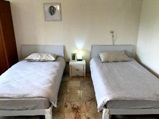 Twin - Shared Bathroom - Stayhill Resort