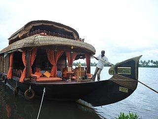 Dona House Boats 4