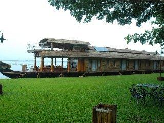 Dona House Boats 1