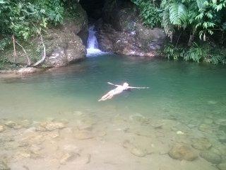 ¡Aguas cristalinas y clima cálido cerca a Guatapé! Naturaleza viva y descanso