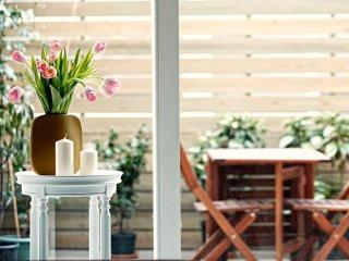 Quiet, spacious duplex, with a patio garden