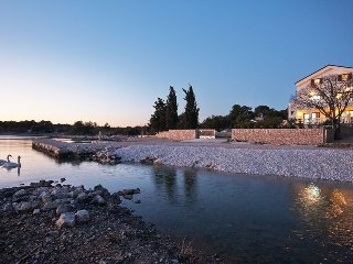 Luxurious Seafront Villa for Rent in Pirovac, Sibenik Area