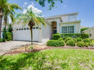 Cozy 5 bedroom 3 bath Highlands Reserve Home with Private Pool 7 miles to Disney