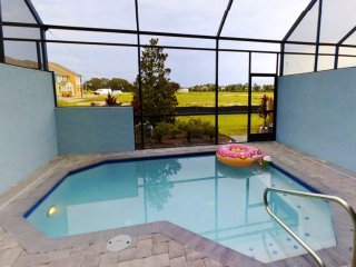 ACO FAMILY – 4 Bd with private pool (1724)