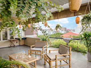 200m to famous MY KHE BEACH|Huge Private ROOF Terrace| Full Apt.