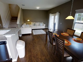 ACO FUN – 4 bd Townhome (1628) WEBSITE