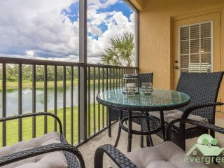 Lakeside - Second floor condo with beautiful lake view in Oakwater Resort