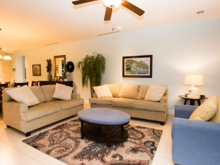 Pacifico L615, precious 3 bedroom condo, overlooking the Lazy River pool