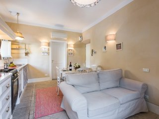 Toscanella - Tastefully decorated romantic 2bdr in Florence