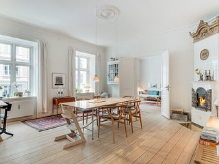 Beautiful bright Copenhagen apartment near Langelinie