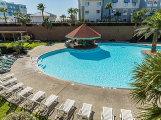 Oceanview condo w/ private steam room, dogs okay  - shared pools, hot tub