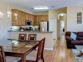 Dog-friendly condo w/ shared pool, gym, tennis, & game room - close to Disney!
