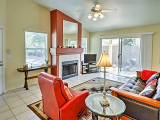 Renovated 2BR Phoenix Area Condo in Quiet Community