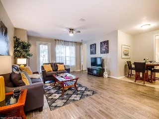 Perfect location, plenty of space and all the amenities Vista Cay offers!