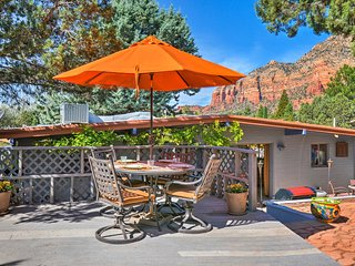 Peaceful Sedona Getaway w/ Outdoor Oasis & Views!