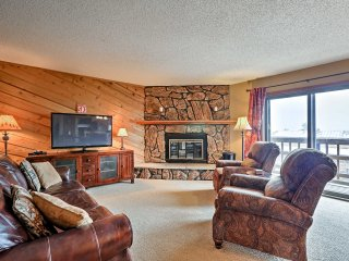 Winter Park Condo w/Free Shuttle to Town & Slopes!