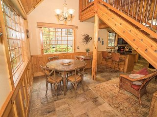 Exquisite Style and Location Close to Beach and Town in This Fantastic House!