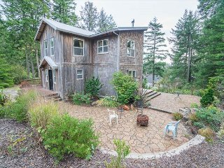 Magnificent Private Home in Northern Manzanita!