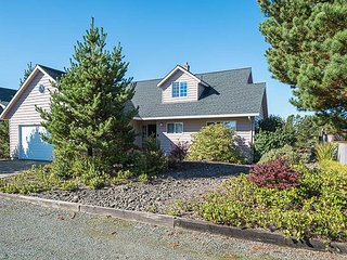 Beautiful Home on Manzanita Golf Course's 4th Green with Hot Tub!!