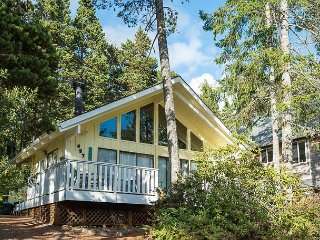Two-Bedroom Manzanita Chalet with Sleeping Loft is a Stroll to the Beach and
