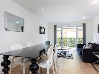 New 2bed, 2bath in gated mews in Shepherd's Bush