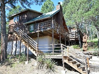 Private Cabin near Golf w/ WiFi, Fireplace, Conservation Views & Big Screen TV